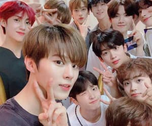 x1, kpop, and produce x 101 image