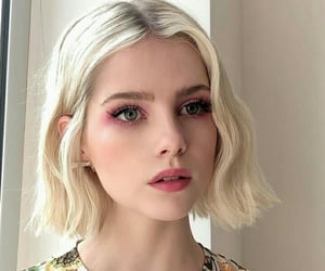lucy boynton, beauty, and pretty image