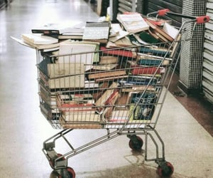books and كُتُب image