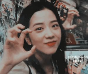 gif, jisoo theme, and jisoo themes image