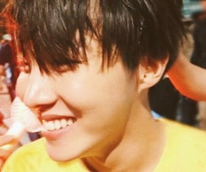 jung hoseok, smile, and sunshine image