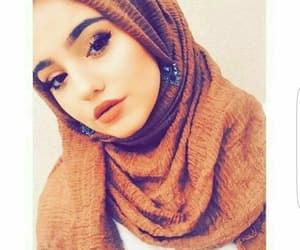 hijab, moda, and modesty image