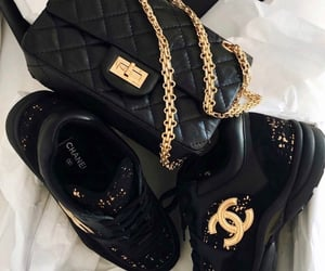 Shoes and bag 🖤👟