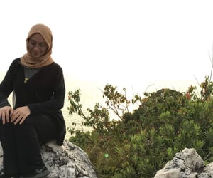 hijab, hiking, and hijabis image
