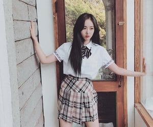 sinb, gfriend, and hwang eunbi image
