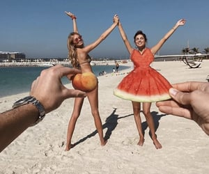 beach, style, and friends goals image