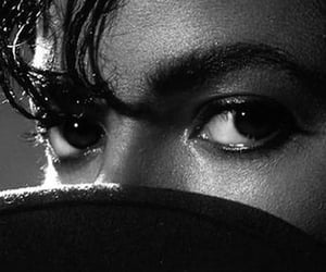 michael jackson, eyes, and michaeljackson image