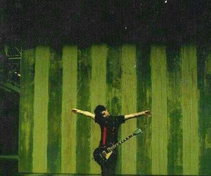 green day, billie armstrong, and american idiot image