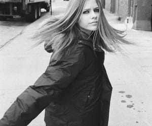 article, Avril Lavigne, and complicated image
