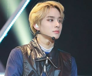 k-pop, jungwoo, and nct image
