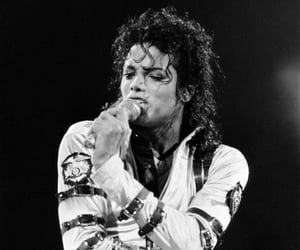 80s, live performance, and king of pop image