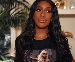 wig, youtube, and jackie aina image