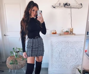 classy, model, and outfits image