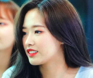 preview, loona, and olivia hye image