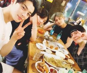 asian boy, idol, and 전정국 image