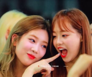 chuu, loona, and kim lip image