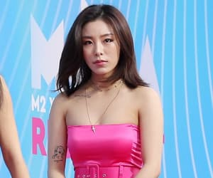 red carpet, wheein, and solar image