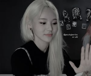 jinsoul, loona, and jung jinsoul image