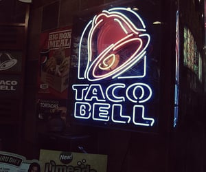 taco bell and sign image