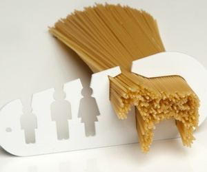 eat a horse and noodle measure image
