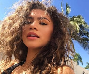 zendaya, beauty, and zendaya coleman image