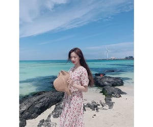 aesthetic, beach, and jiwon image