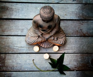 Buddha, love, and mediated image