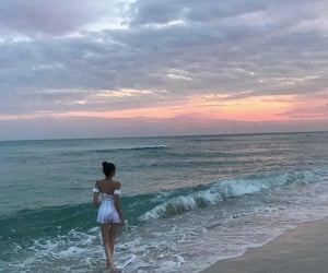 madison beer, beach, and sunset image