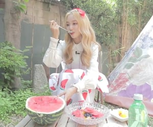 kpop, gowon, and loona image