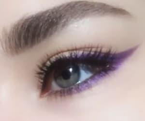eye shadow, eyelashes, and eyeliner image