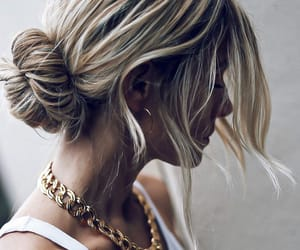blogger, jewerly, and necklace image