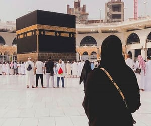 girl, islam, and khana kaba image