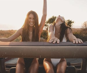 fashion, summer, and friendship image