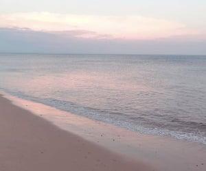 wallpaper, beach, and ocean image
