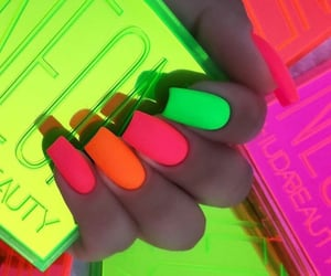 couleurs, nails, and néons image