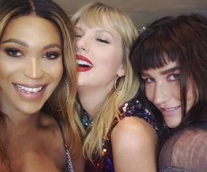 Taylor Swift, famous, and kesha image