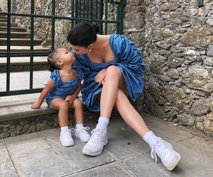 kylie jenner and baby image