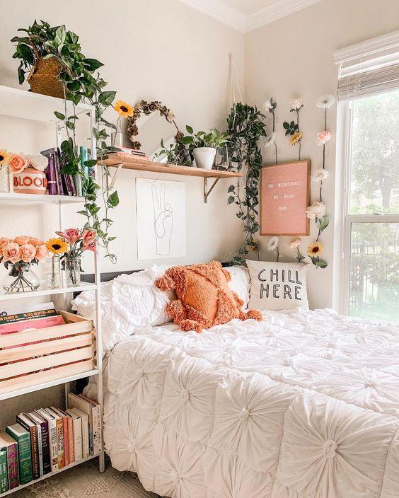 Cozy, colorful bedroom ideas #bedroomdecor #bedroomideas ...