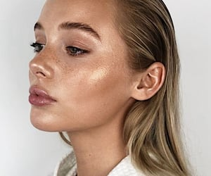 article, highlighter, and makeup image