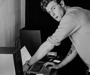 boy, shawn mendes, and cute image