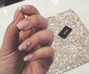 chic, gel, and gel nails image