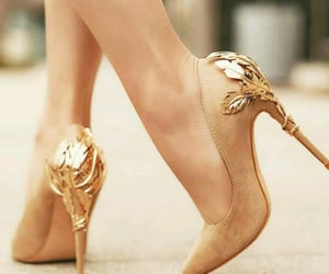 beige, chaussure, and golden image