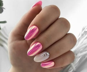 nails and almond image