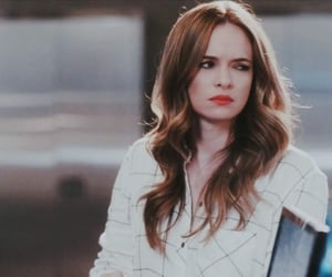 danielle panabaker and caitlin snow image
