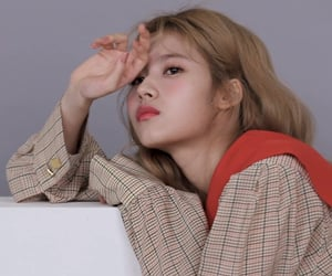 twice, aesthetic, and Allure image