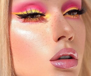 What would you call this look? I call it the raspberry lemon 🍋 shadow blast 🔥😍