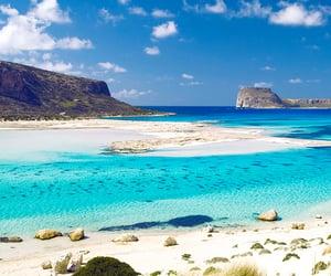 Pic of the Day…Visit Crete 🌤 🌊 best-online-travel-deals.com  #greece #beach