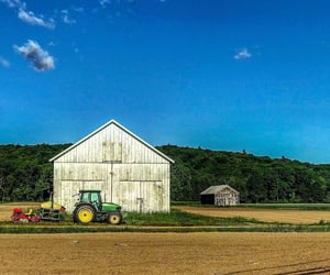 country living, barn, and farmhouse image