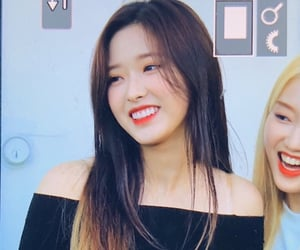 loona, olivia hye, and preview image
