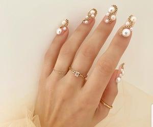 nails and pearls image